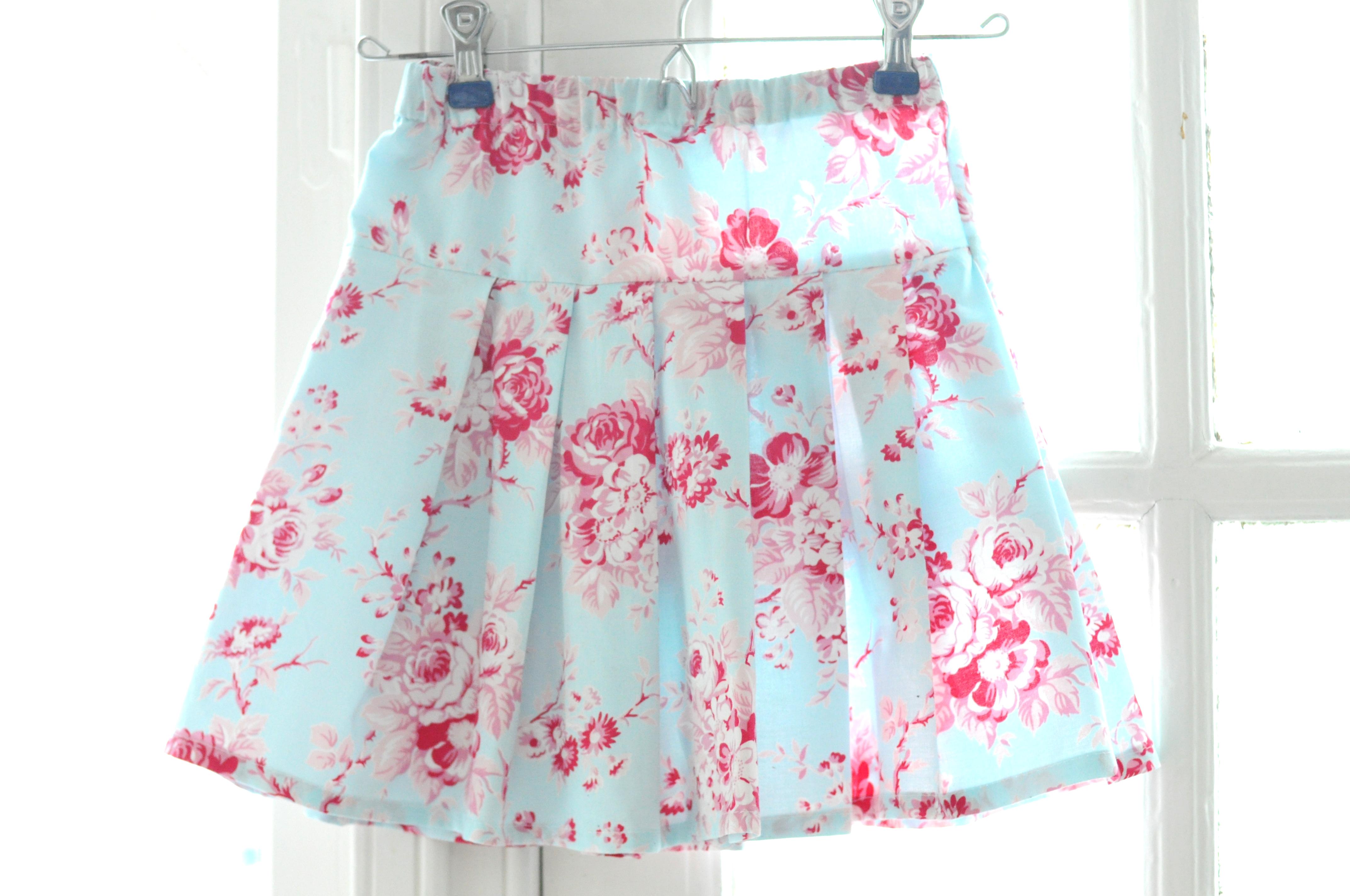 Grand Revival Designs: Easy Peasy Pleated Skirt Tutorial