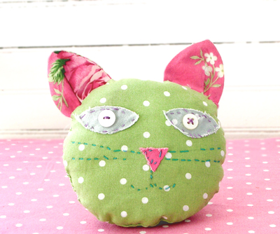 Kittypincushion_copy_5